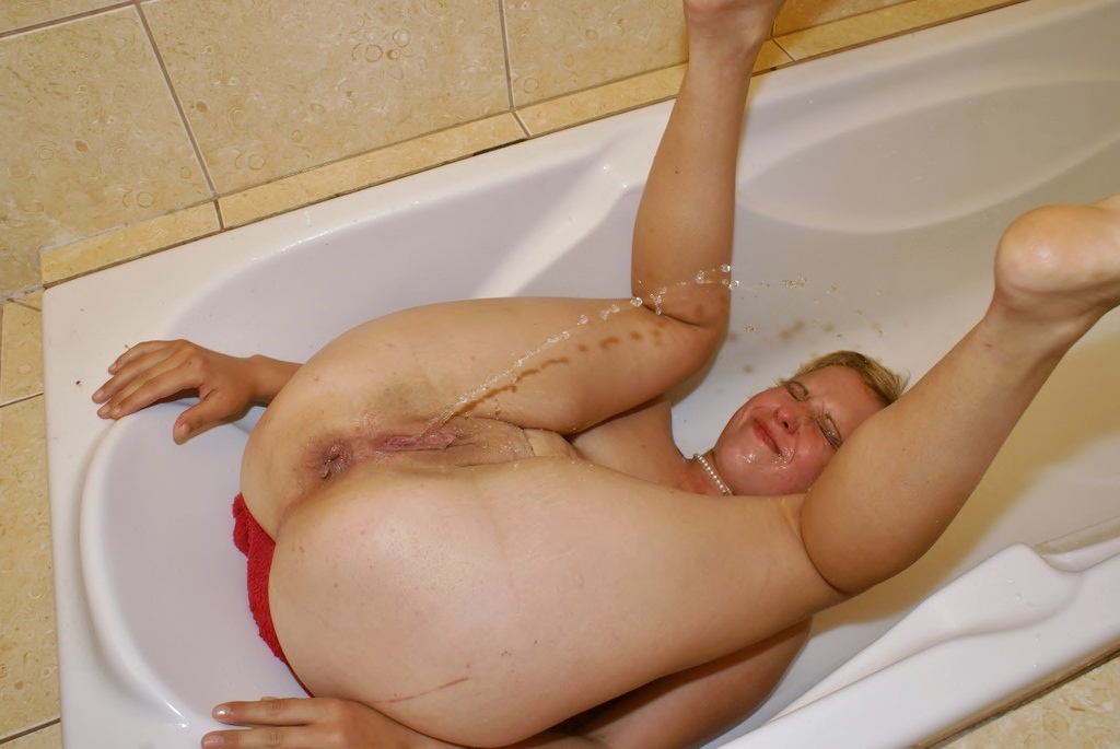 See and save as piss bath for pigmely porn pict